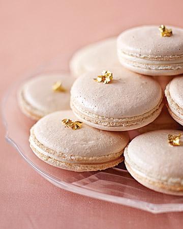 #metallic macarons #gold macarons #pretty macarons